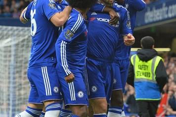 Chelsea - Sunderland 3-1: Thay Mourinho, Chelsea đổi vận