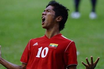 """Tiền đạo hàng đầu Myanmar bị loại khỏi ĐTQG vì """"bệnh ngôi sao"""""""