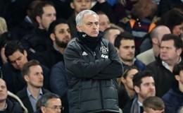 """Mourinho """"phản pháo"""" CĐV Chelsea theo cách của """"Người đặc biệt"""""""