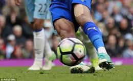 Tại sao quả phạt đền của Mahrez ở trận gặp Man City bị lắc đầu?