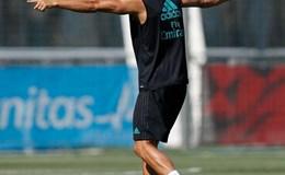 Ronaldo tái xuất, sẵn sàng chiến với M.U