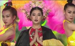 Gương mặt thân quen: Hoài Linh bỏ tiền túi 25 triệu đồng tặng Hoàng Yến Chibi
