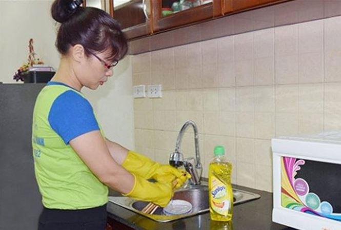 Nhiều gia đình ở Hà Nội đã bắt đầu tìm người giúp việc trong dịp Tết 2018. Ảnh: IT