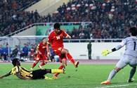 Việt Nam 2-4 Malaysia: Hàng triệu niềm cay đắng