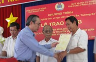 Gần 150 chủ tàu và trên 2.000 ngư dân tỉnh Khánh Hòa được hỗ trợ gần 2,5 tỉ đồng