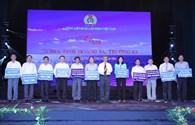 """Chương trình """"Góp một viên gạch xây dựng Khu Tưởng niệm chiến sĩ Gạc Ma"""":  LĐLĐ tỉnh Hưng Yên đăng ký ủng hộ thêm 500 triệu đồng"""