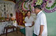 Quỹ TLV Lao Động: Trao 5 triệu đồng hỗ trợ cho ngư dân bị tử vong trên biển