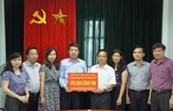 Công đoàn Công thương Việt Nam trao 100 triệu đồng chia sẻ khó khăn với công nhân ngành than