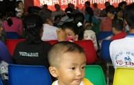"""2.700 em nhỏ được mổ tim miễn phí qua chương trình """"Trái tim cho em"""""""