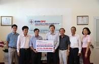 Tổng Công ty Điện lực miền Trung ủng hộ 50 triệu đồng xây dựng Khu tưởng niệm chiến sĩ Gạc Ma
