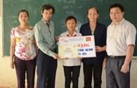 Trao học bổng Tấm Lòng Vàng - Đại Nam đến học sinh tỉnh Tuyên Quang