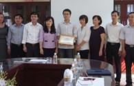 Trao thêm 3 suất học bổng Công ty Đại Nam tài trợ tới học sinh tỉnh Phú Thọ