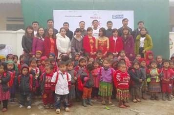 Prudential Việt Nam tặng phòng học mới cho học sinh Cán Chu Phìn