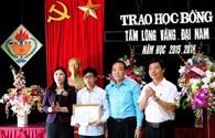 Liên đoàn Lao động tỉnh Phú Thọ: Trao học bổng Quỹ Tấm lòng vàng - Đại Nam năm học 2015 - 2016
