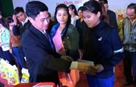 """""""Tết sum vầy"""" tại Bình Định: Ấm lòng công nhân lao động vùng lũ"""