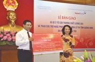 """VietinBank nặng một chữ """"tình"""" với cộng đồng"""