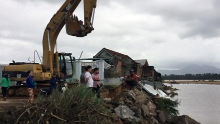 Thủ tướng Chính phủ quyết định cấp bù gần 65 tỉ đồng miễn học phí cho học sinh vùng lũ Bình Định