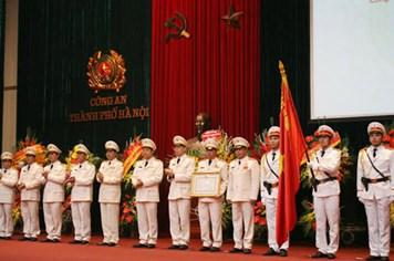Chủ tịch UBND TP.Hà Nội Nguyễn Đức Chung biểu dương lực lượng công an Hà Nội