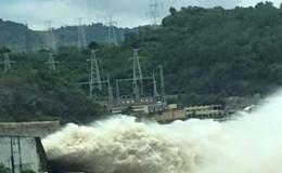 Thủy điện Hòa Bình và Sơn La đóng 1 cửa xả đáy từ 18h ngày 24.7