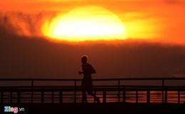 """Dự báo thời tiết 10.8: Miền Trung vẫn nóng như """"chảo lửa""""!"""