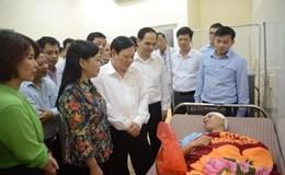 Bộ trưởng Bộ Y tế động viên bác sỹ bị hành hung