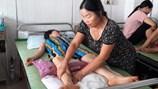 Cô giáo Hà Giang bị liệt nửa người sau 1 mũi tiêm, chưa tìm ra nguyên nhân