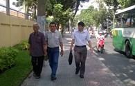 Bố đẻ Huỳnh Văn Nén đi tìm địa vị pháp lý cho con trai