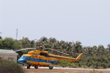 Phát hiện mảnh vỡ máy bay gần vị trí tìm thấy 3 thùng dầu
