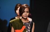 Quán quân Ngọc Châu nổi bật trên sàn diễn Seoul Fashion Week