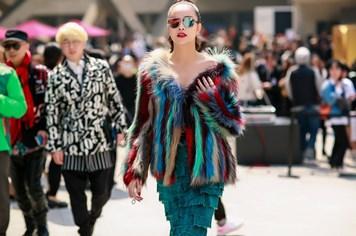 Sella Trương cực chất với các thiết kế Việt ở Seoul Fashion Week