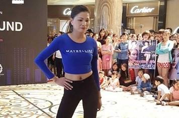 Nữ công nhân 36 tuổi gây sốt vòng chung kết Top Model Online miền Bắc
