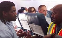 Sau United Airlines, thêm một hãng hàng không Mỹ đuổi khách xuống máy bay