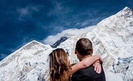 Cặp đôi người Mỹ dành 3 tuần leo Everest để làm đám cưới