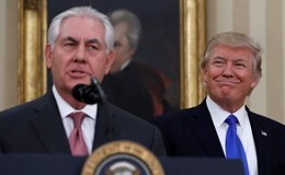 Ngoại trưởng Mỹ nỗ lực giành tín nhiệm từ ông Trump sau khi James Comey mất chức