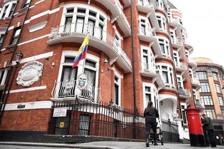 Thụy Điển ngừng điều tra ông chủ WikiLeaks sau 7 năm - ảnh 1