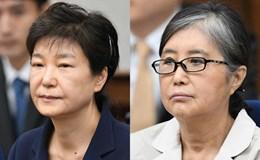 Cựu Tổng thống Hàn Quốc Park Geun Hye không nhìn mặt bạn thân tại tòa