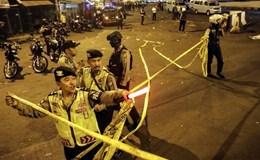 Hiện trường hỗn loạn vụ đánh bom tự sát liên tiếp tại Indonesia
