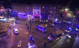 Ôtô đâm nhiều người đi bộ gần nhà thờ Hồi giáo ở London