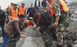 Sạt lở đất nghiêm trọng ở Trung Quốc, hơn 100 người bị chôn vùi