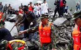 Lở đất ở Trung Quốc: 141 người bị chôn vùi, nhiều người dùng điện thoại gọi cứu hộ từ dưới lớp đất đá