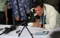 Trung Quốc hỗ trợ hơn 3.000 khẩu súng cho Philippines chống khủng bố