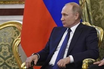 """Tổng thống Vladimir Putin """"mạnh tay"""" dàn xếp khủng hoảng vùng Vịnh"""