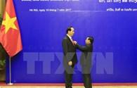 Đảng, Nhà nước Lào trao phần thưởng cao quý tặng lãnh đạo Việt Nam