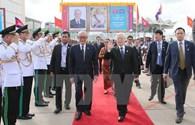 Tổng Bí thư Nguyễn Phú Trọng trao quà cho  tỉnh Preah Sihanouk