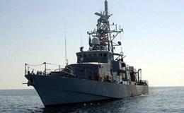 Tàu hải quân Mỹ nã đạn cảnh cáo tàu Iran ở vịnh Ba Tư