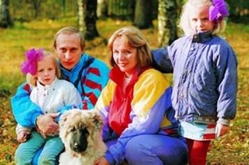 Chùm ảnh hiếm có về thời trai trẻ của Tổng thống Vladimir Putin