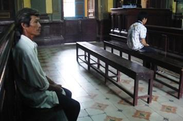 Lãnh án tù vì 'yêu' trẻ vị thành niên