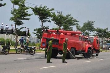 Chữa cháy, 8 cảnh sát PCCC ngộ độc