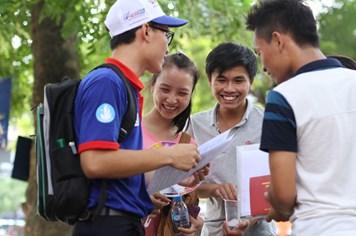 """Ngày thứ 2 kỳ thi THPT quốc gia: Đề thi tránh được học """"tủ"""", học """"vẹt"""""""