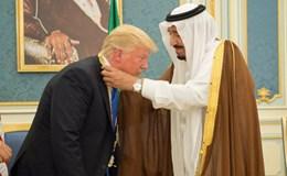 Tổng thống Mỹ Donald Trump thăm Saudi Arabia: Có đi có lại mới toại lòng nhau